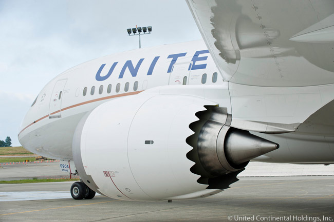 United Airlines was due to receive its first Boeing 787-8 at the end of September 2012